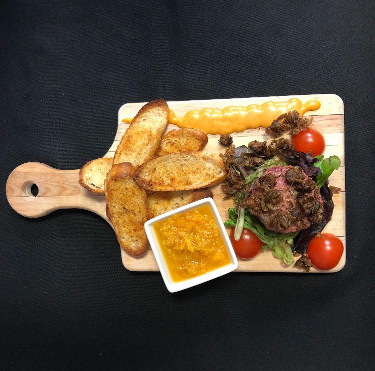 Entrée – Tartare de boeuf – Restaurant Mme Cécyle